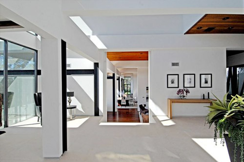 Maison d architecte contemporaine los angeles - Hall d entree maison photos ...