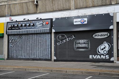 devanture de magasin de musique