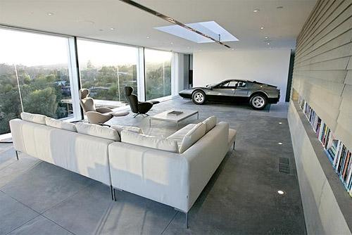 La salon de la maison et la voiture