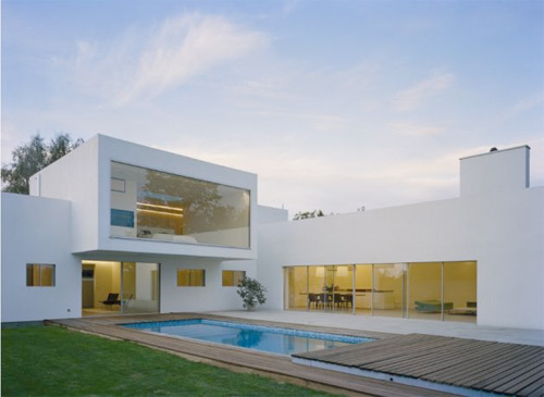 Villa contemporaine m 2 par jonas lindval for Architecture des villas modernes