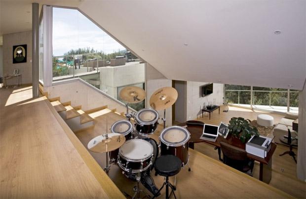salle de musique dans une maison d'architecte