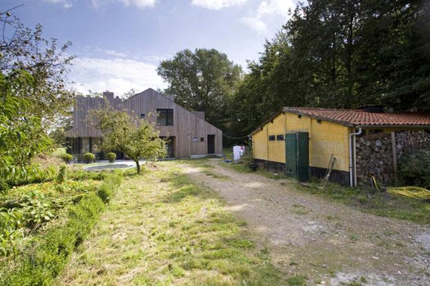 maison d'architecte avec toit à double pente
