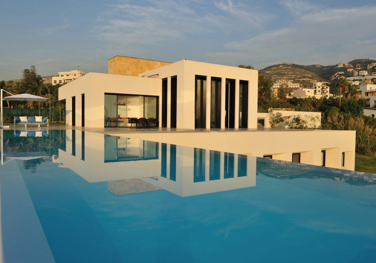 Maison architecte cubique 06 for Architecture cubique
