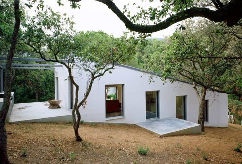 Terrain en pente maison contemporaine toit plat sur - Maison sur terrain rectangulaire ...