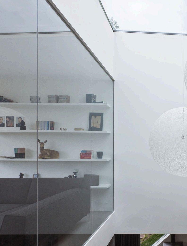 Baie vitrée intérieur dans une maison
